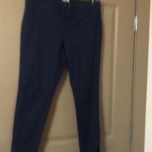 Liz Claiborne Classic fit skinny jeans. Navy, 12